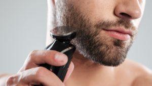 aparando-fios-da-barba