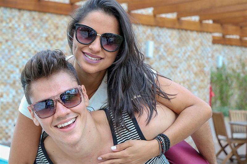 Imagem de um casal de namorados felizes
